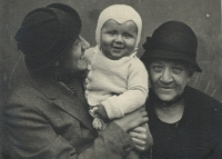 From left Marie Macháčková with son Pavel and grandmother Rottová from Kožlan, 1935