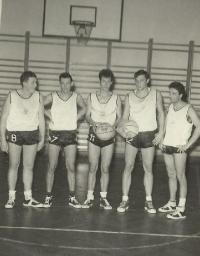 TJ Jičín basketball team - Jaroslav Veselý is centered