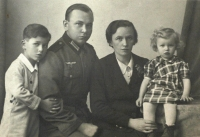 Roman Frait, his stepfather Bruno Frait, his mother Marie and his sister Mariana, Brno 1942