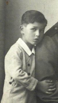 Roman Frait as a 7 years old boy, Brno 1942