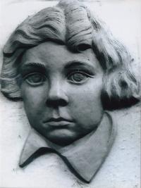 Portrait of Roman Hamik, 1969. The sculptor is Petro Dzindra