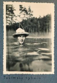 Jiří Vodenka in the Tušimský Pond, 1930s
