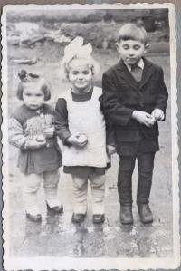 Bohdana, Oleksandra and Andriy Tsehelski