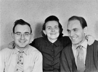 Oldřich Vašák on the right with his mother Kristýna and his brother Milan
