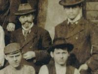 František Volman with his son Jaromír (1906)