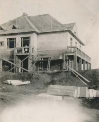 Stavba rodinné vily (30. léta)