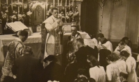 Prime divine service (the first mass of a new priest) June 4, 1944, Karel Exner during the mass