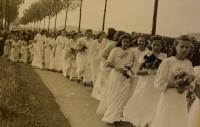 Prime divine service June 4, 1944, the parade of religious girls