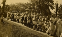 Prime divine service June 4, 1944, the parade of girls in the costumes