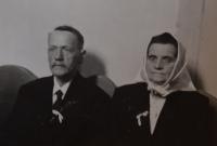 His parents Karel and Anna Exner, 1944