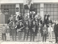 In the band in 1974, Václav Herout plays the saxophone 4th from the left