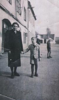Václav Hora with his grandmother, Nýřany, 1943