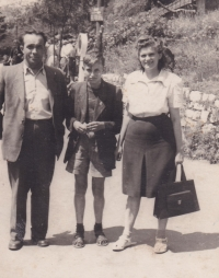 Václav Hora with his parents in Prague Zoo, around 1947