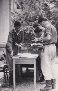 Sale of books in Jaselská barracks in Brno, on the left, circa 1958-1959