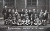 Rostislav Zapletal and his classmates in the fourth grade in Přerov. 1941