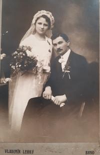 A wedding photo of the witness's parents, Antonia and Gustav Josef Maláč, 1919