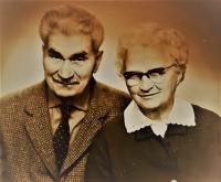 Antonie and Gustav Josef Maláč, parents of the witness, around 1970