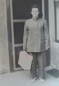 Žofie Slováčková (Zlámalová) coming back from prison