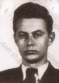 Miroslav Froyda in a photograph from a fake ID he had with him when crossing the border in August 1954 (stored in the Security Forces Archive)