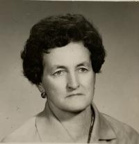witness Helena Akova as a middle aged woman