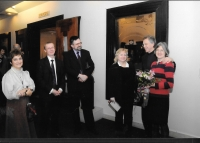 At the Mucha exhibition with (from the left) Eva Molnár from Spolek Bohemia, curator Marta Sylvestra and John and Sarah Mucha, Budapest 2009