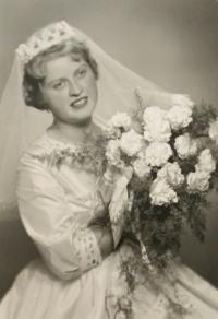 Alena Hudcová - a wedding photo (1962)