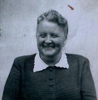 Her mother Emílie