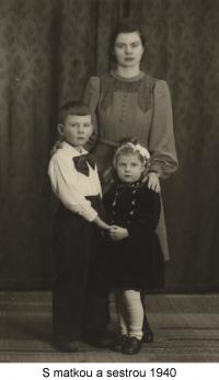 S matkou a sestrou (1940)