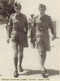 Otakar Braun and his brother Leoš in Tel Aviv