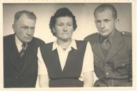 František Wiendl with parents, 1947