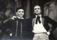 MK - left - starring Tomš in Hubička opera