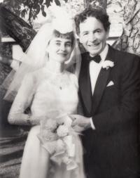 Svatební fotografie Niny a Eduarda Ingrišových (1965)
