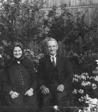 prarodiče z matčiny strany, Veverská Býtiška