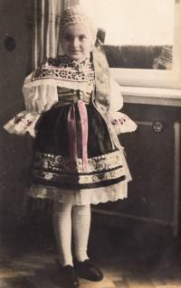 Nina Ingris