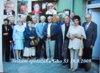 Setkání spolužáků v roce  2009, RNDr. Jiříček druhý zleva