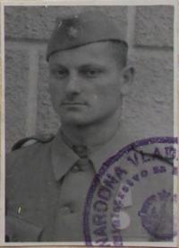 Tichomir Mirkovič in 1945