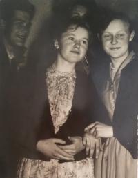 Kateřina Marťáková 1958 right