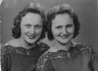 sisters Katerina and Marie Mataks