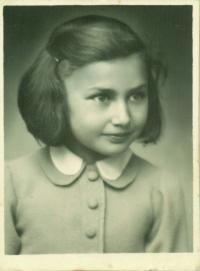 Rita Fantlová, Dagmařina sestra, narozena 14.3.1932 v Kutné Hoře, zemřela v červenci 1944 v Birkenau