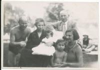 S rodiči, prarodiči a sestrou