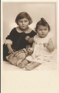 Dagmar (vlevo) a Rita Fantlovy