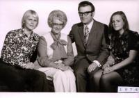 Pavel and Vera Oliva with childrend in 1974