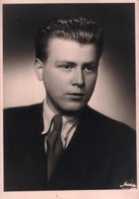 Pavel Oliva in 1946