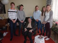 Pavel Oliva with the students from the project Stories of our neighbours