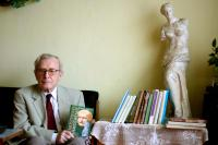 Pavel Oliva with some of his books (2011)