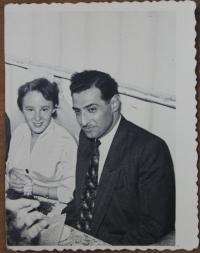 Ruth Aviram s manželem