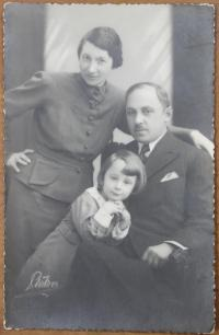 with parents in the 30s