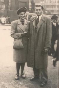 Zuzana_Beckmannova_a_Miloš_Gut_15.9.1946