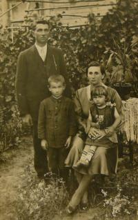 family of V.K. - 1930s