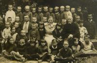 school class in Huleč, V.K. above the shoulder of his class teacher